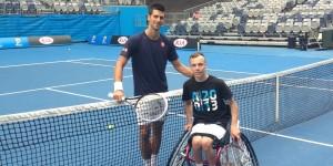 Djokovic_Lapthorne_tennis en fauteuil