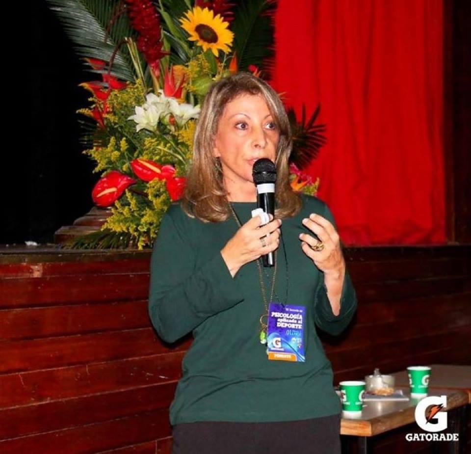 Régina Brandao lors d'une conférence